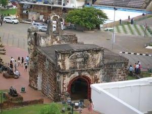 Ruínas da fortaleza de A Famosa