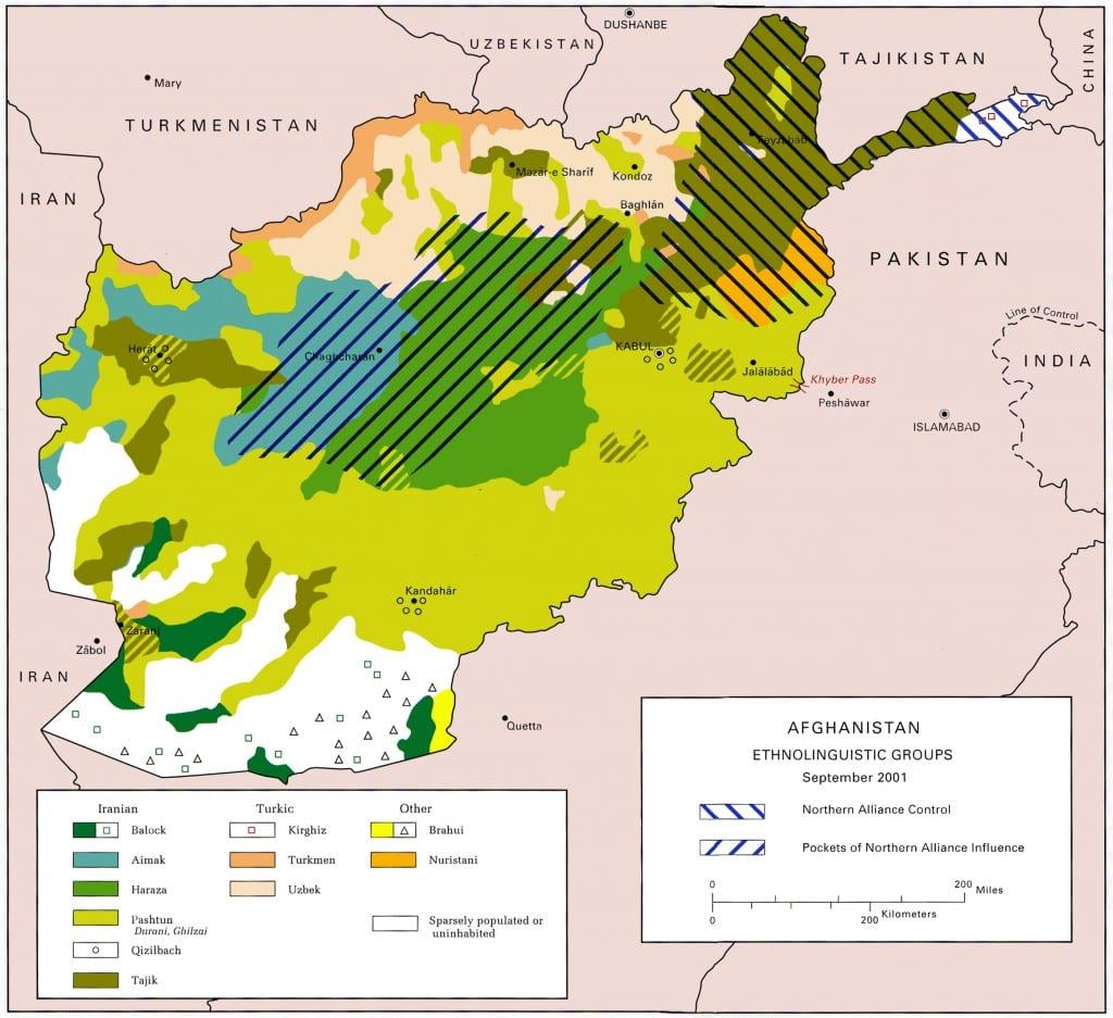 Os grupos étnicos do Afeganistão. Os pashtuns dominam o Sul e Leste e tradicionalmente fornecem a maior parte do apoio aos governos de Cabul.