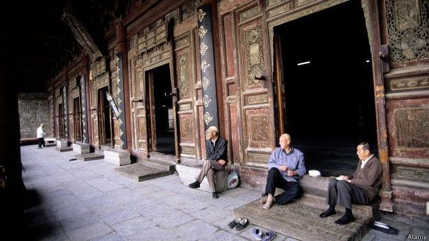 Durante a Revolução Cultural Chinesa, o Islamismo foi proibido e cópias do Alcorão, queimadas