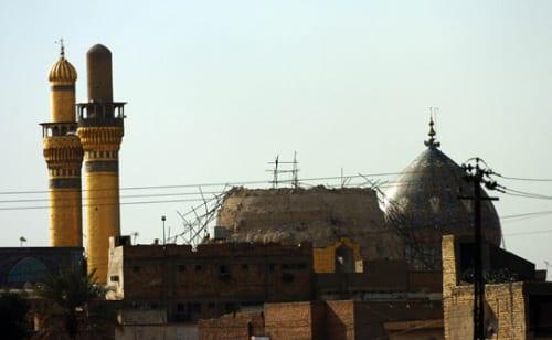 Santuário do Imam Hasan al-Askari antes e depois da destruição.