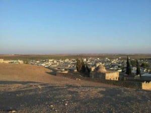 O túmulo do califa omiada Sulayman ibn 'Abd al-Malik [d. 717] em Dabiq, na Síria antes da destruição, em agosto de 2014
