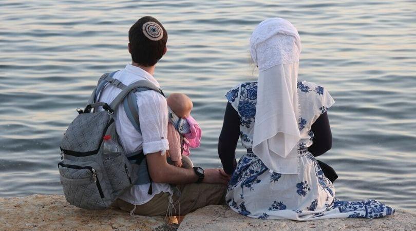 Mulher judia de véu