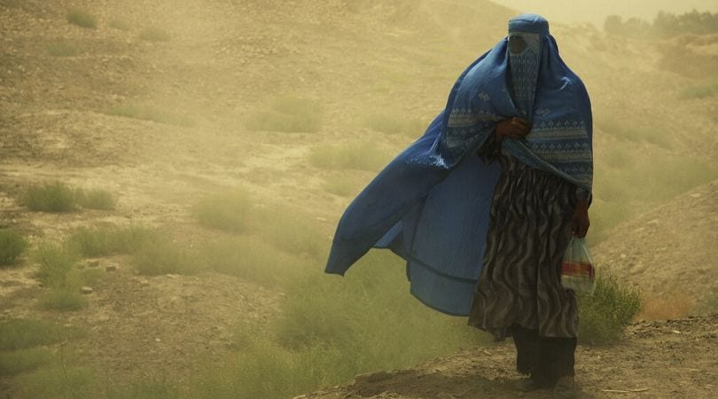 Mulher muçulmana de burca