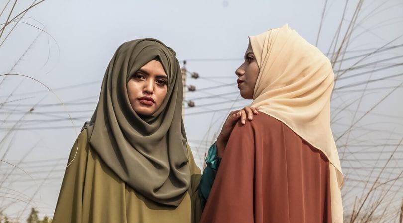 Mulheres muçulmanas de hijab véu