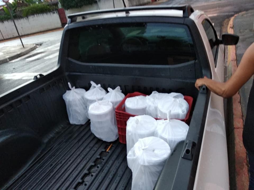 Distribuição de marmitas pela cidade