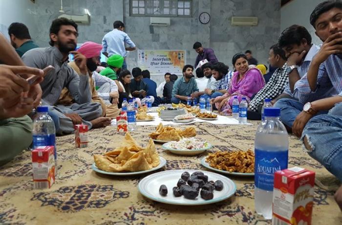 Ramadan comunitário no Paquistão
